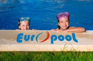 W basenie kąpielowym dzieci.